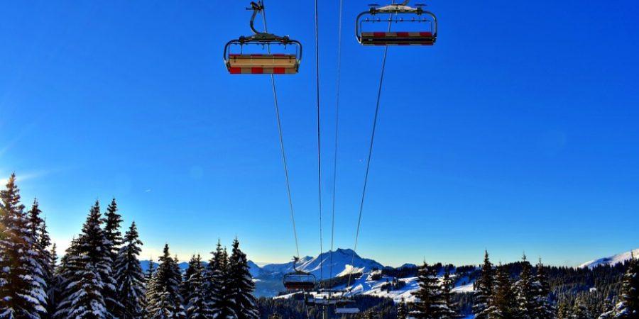 avoriaz montagne sapin neige remontées mécaniques